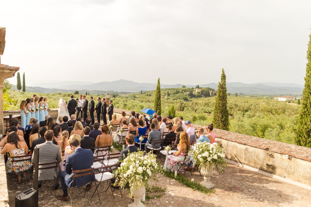 Scenic outdoor wedding ceremony in Tuscany