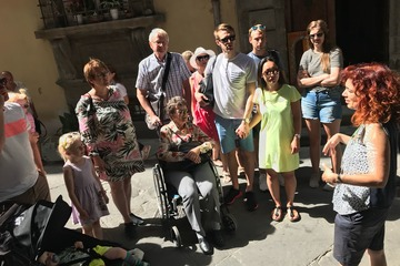 Private guided walking tours in Tuscany for families & friends