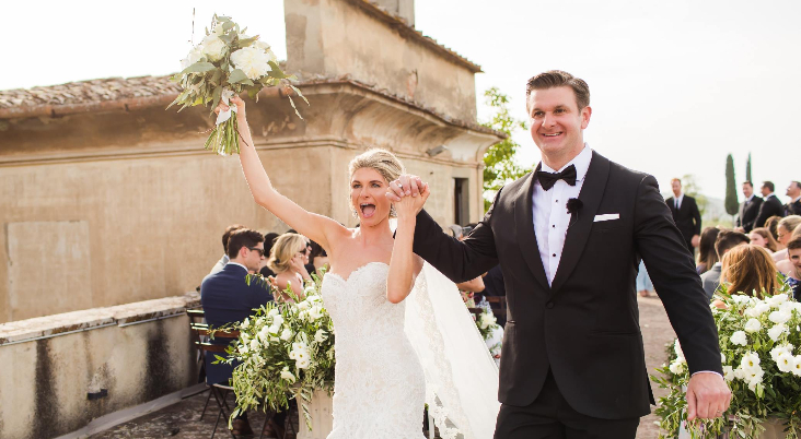 How to have a fun destination wedding in Tuscany