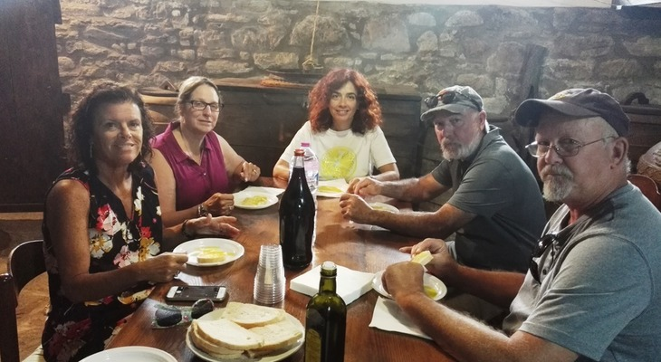 Private guided Cortona & olive oil tour