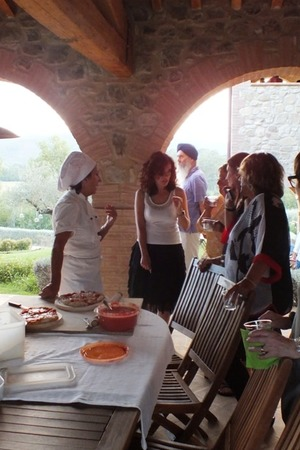 Pizza night event before the wedding, Tuscan villa