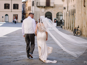 Candid shot after ceremony - civil wedding in Sansepolcro Tuscany